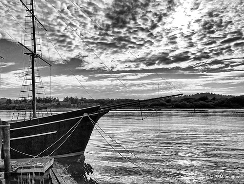 ship boat harbor bay ocean clouds sky monochrome dock port coosbay oregon coast coastal rope mast rigging wharf outdoor sea waterscape landscape apple iphone