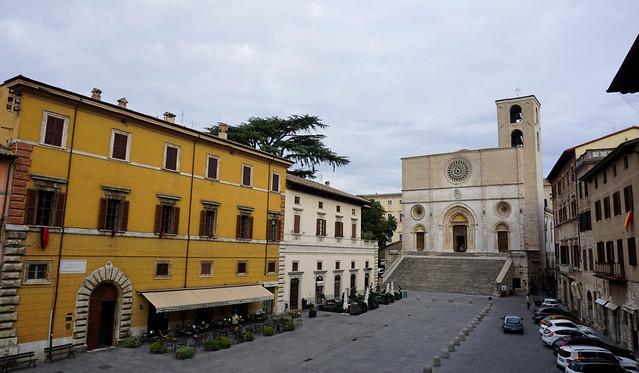 Todi (Umbria): Piazza del Popolo / Duomo