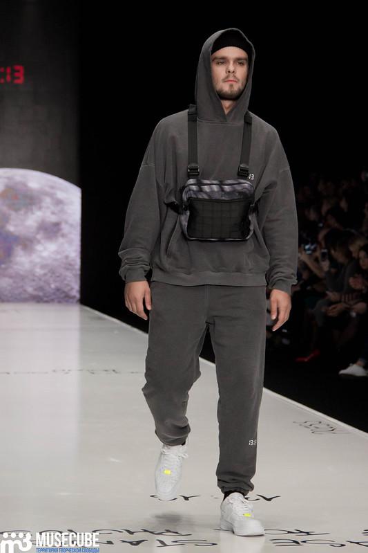 mercedes_benz_fashion_week_black_star_wear_026
