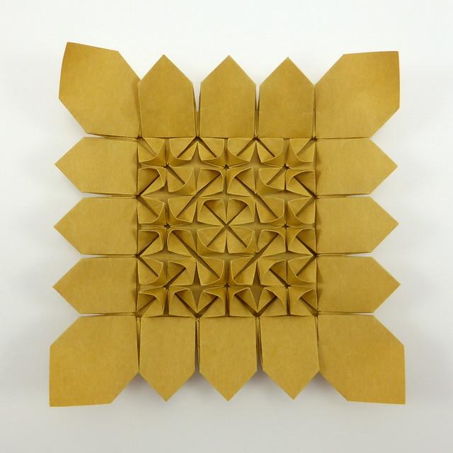 Sunflower Tessellation (3×3) with molecule variants