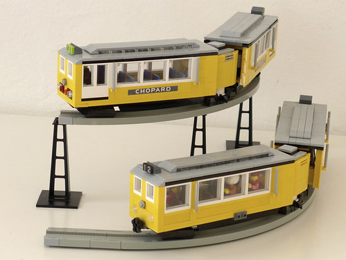 Two monorail trains (7-wide, PF-controlled)