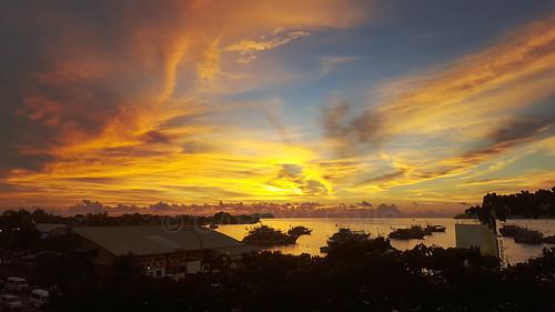 kotakinabalu sabah malaysia borneo sunset goldenhour sky clouds