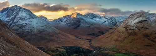 papofglencoe sgorrnaciche glencoe aonacheagachridge mountain sunrise orange glow fire ice snow winter landscape scotland scottish highlands nikond7200 sigma350mmf14 panorama