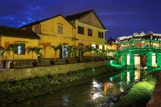 ABM (Another Blue Monday) / Evening in Hoi An (Vietnam) at the Japanese covered bridge