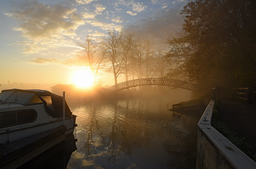 riverthames thames thamestowpath binsey oxford rainbowbridge nikond810 nikkor2485mmf3545gedvrlens sunrise morningmist