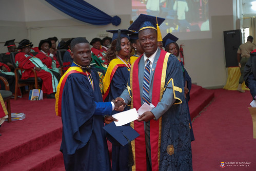Prof. George K. T. Oduro, Pro-Vice-Chancellor, presenting an award to a graduand.