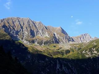 Muntii Fagaras - Valea Sambetei - Fereastra Mare | by mergpemunte.ro