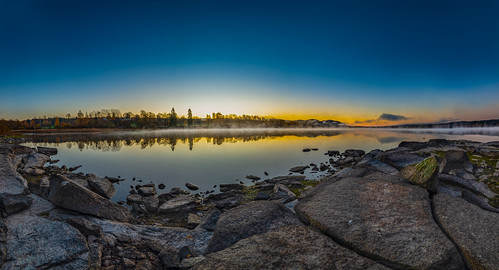 norway oslo maridalen maridalsvannet autumnmorning lake eater rocks stones clear sunrise sky color frostsmoke october fall reflection nature outdoors view panorama
