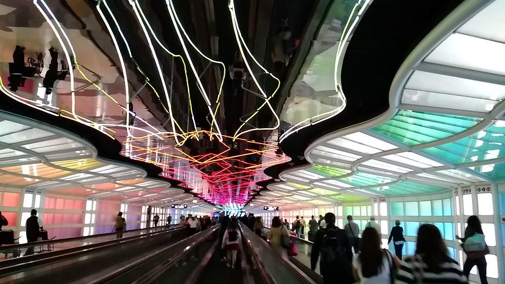 芝加哥奥黑尔机场地下通道
