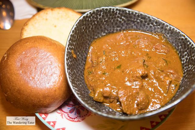 Kaleji Masala - Chicken liver, garam masala, boiled egg, pao