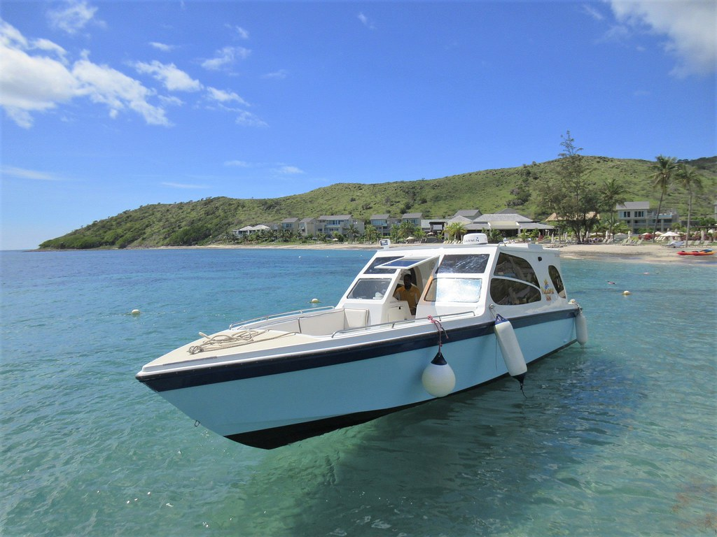 Water Taxi To Nevis Clear Waters Off Park Hyatt St Kitts Flickr