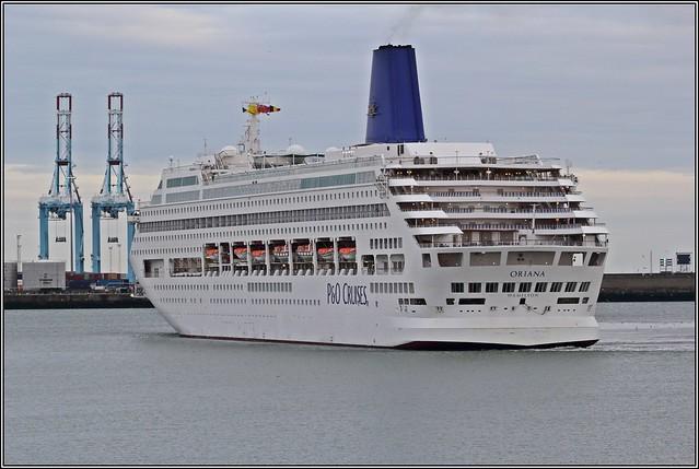 P&O Cruiseship Oriana arriving in Zeebrugge