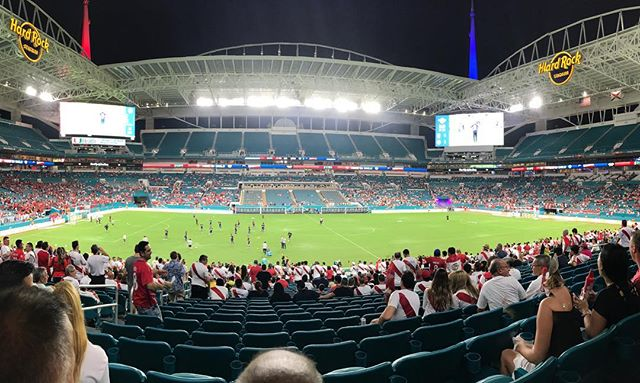 Taking my boys to their 1st #football (soccer) game with abu at the #hardrockstadium #hardrock #miami #florida #peru #chile #chilean #soccer #sport #nightgame