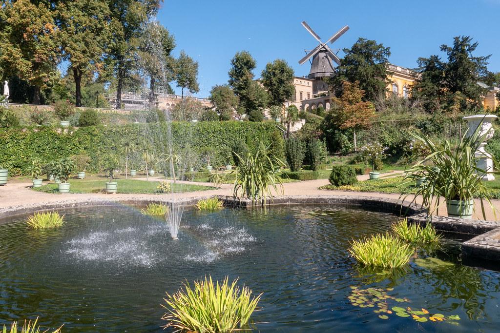 Potsdam Park Sanssouci Fontäne Im Sizilianischen Garten Flickr