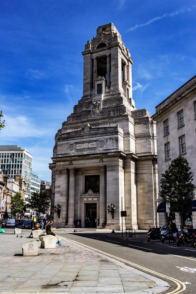 Freemasons have met on this site since 1775.  The present Freemasons' Hall was built between 1927 and 1932 as a memorial to the 3,000 members killed during the First World War. It is one of the UK's finest Art Deco buildings.