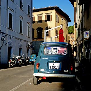 Renault 4 - Pisa, Italia   by pom'.