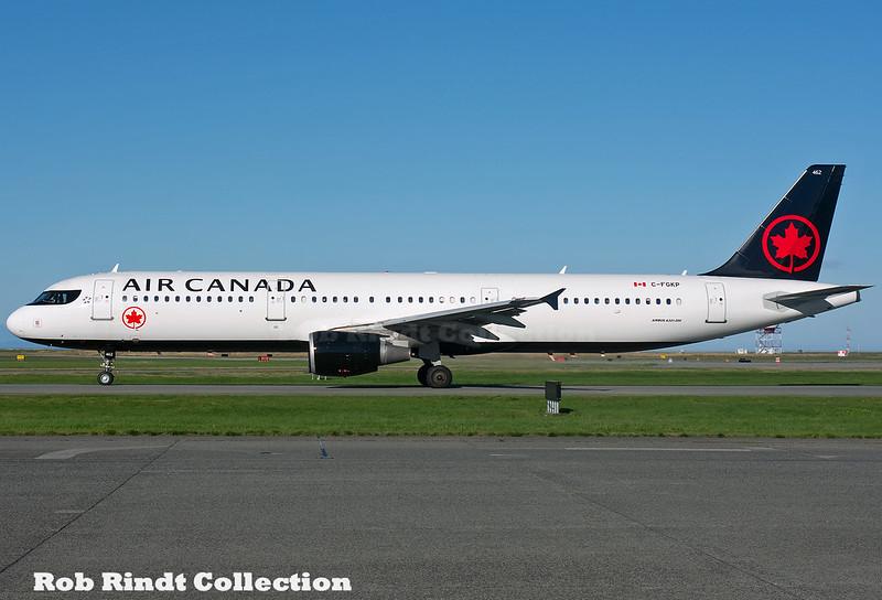 Air Canada A321-211 C-FGKP