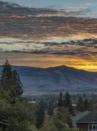 autumn ashland sunrise nikon d500 nikkor 24120mm f4g southern oregon clouds mountains landscape al case
