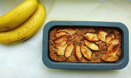 vegan bento apple & banana oatmeal bread
