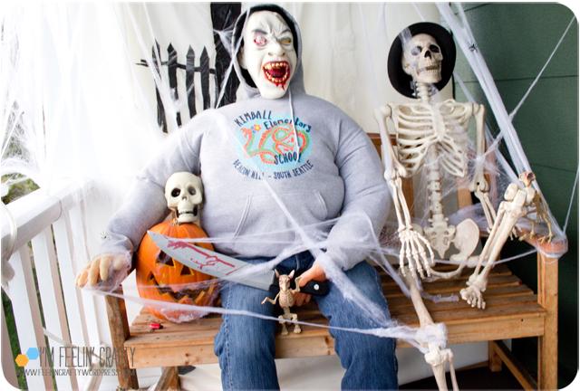 Halloween-Outside1-ImFeelinCrafty