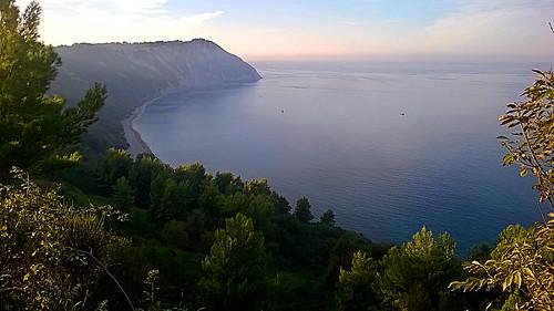 riviera conero marche ancona sea beach bay promontory promontorio