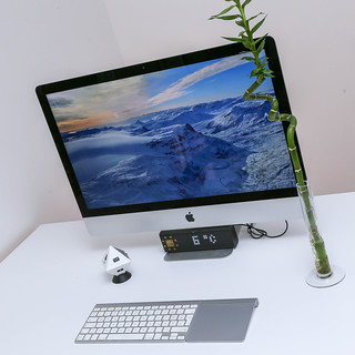 iMac setup with LaMetric Smart-Clock and Timeular Trackingcube | by verchmarco