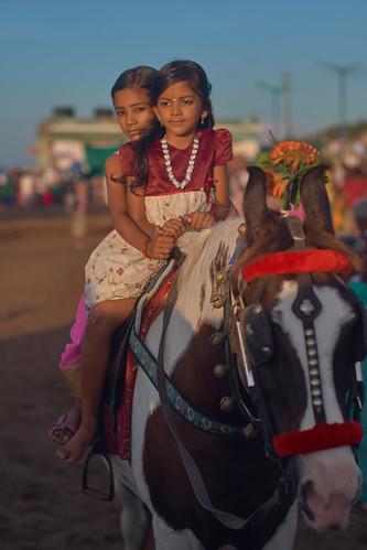 india kanyakumari vivekananda ilce6300 sunrise beach horse girls children horseback voigtlander nokton