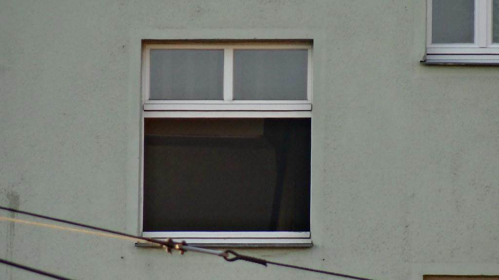 Nach dem Fund großer Mengen von Chemikalien in eine Drogenlabor am Dreyßigplatz in Dresden hatten die Ermittler schnell den Verdacht, dass es sich um ein Drogenlabor handelt, die Polizei hat die Drogenküche genau untersucht  01678