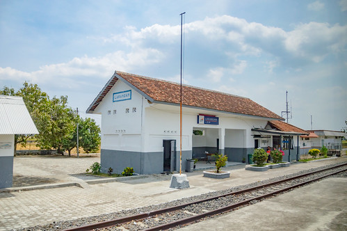 station stasiun railway keretaapi indonesia jawa java dutch heritage building architecture jawatengah centraljava larangan brebes