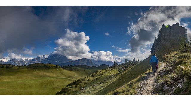 Hiking in The Schynige Platte , Canton of Bern, Switzerland. izakigur 2018-09-04 16:20:17 .4545 46