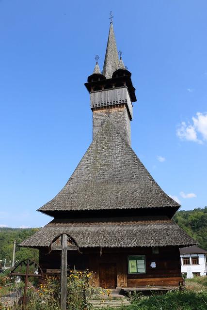 Budesti josani: Biserica de lemn