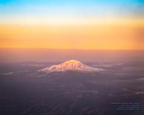 aerialphotograph d5300 dslr mountadams mtadams nikon nikond5300 sunrise tamron18400mm tamron18400mmf3563diiivchld usa washington washingtonstate aerial aerialphoto aerialphotography mountain volcano