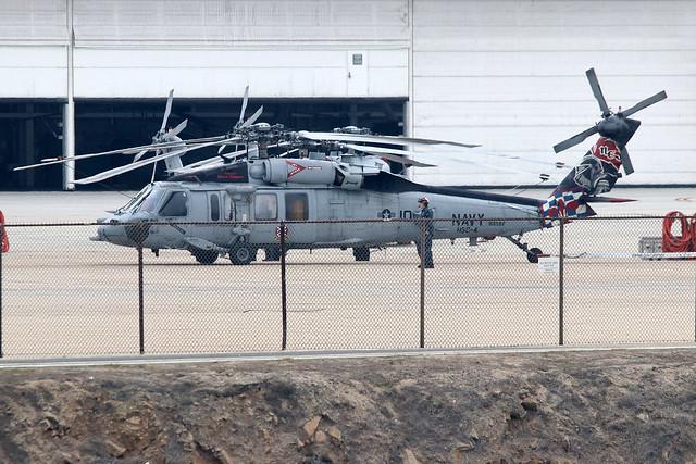 Sikorsky MH-60S Knighthawk USN  HSC-4  168582 NE-700