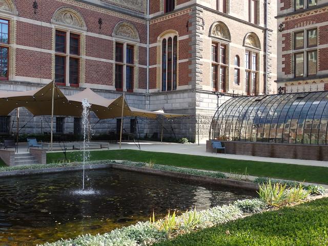 Greenhouse and fountain, Rijksmuseum garden