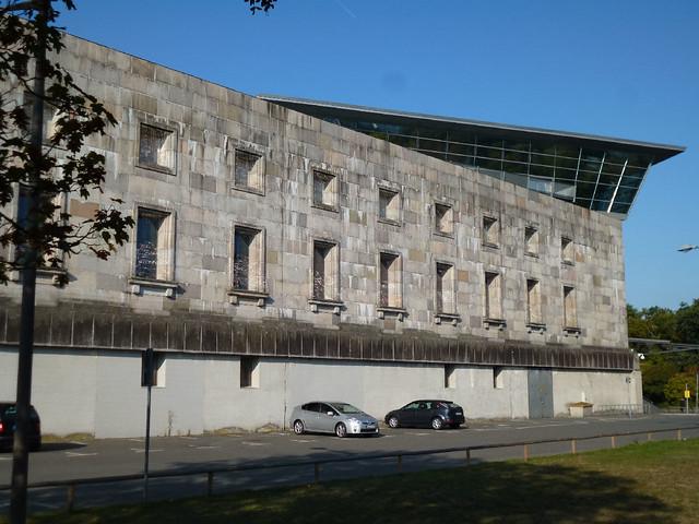 Doku Zentrum walls