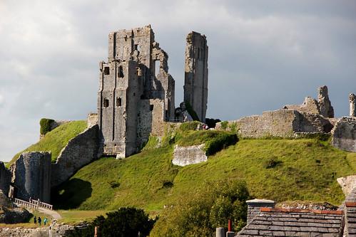 corfe castle dorset england buildings ruins hill beautiful