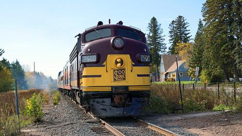 Soo Line EMD FP7 2500-A, 51st Av E Pumpkin Patch - Duluth MN USA, 10/19/18