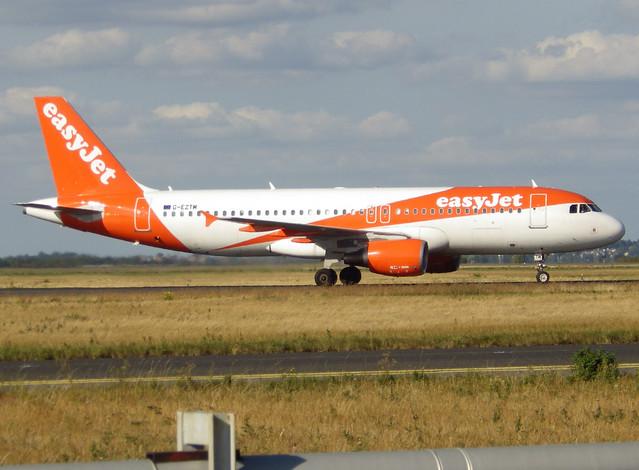 G-EZTM, Airbus A320-214, c/n 4014, easyJet, CDG/LFPG 2018-09-08, entering Delta-Loop.