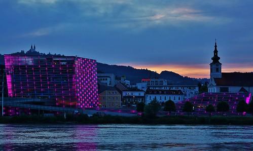 linz arselectronicacenter nachtaufnahme donau juni 2018 donausteig österreich sunset