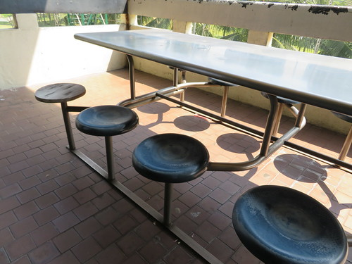 ロイヤルバンコクスポーツクラブグルメ3階の食堂の椅子