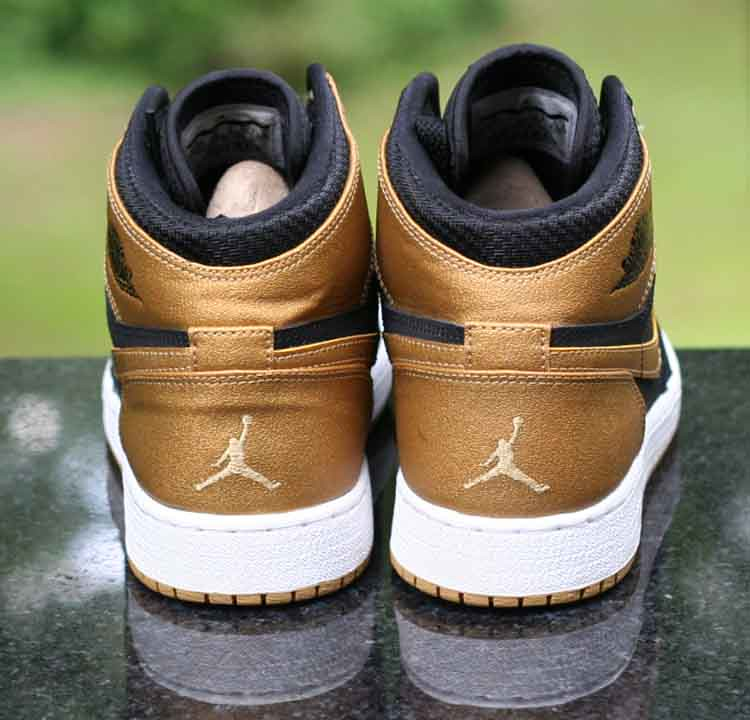 premium selection 447c0 49c62 ... Nike Air Jordan 1 Retro High GS Melo PE Series Black Gold 705300-026  Size