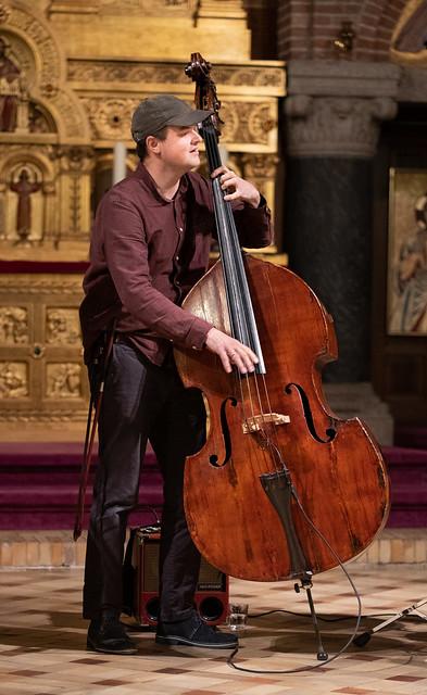 Richard Andersson in a concert with Sebastian Zawadzki, p. and Bruno Tagliasacchi Masia, dr. 2018-10-30