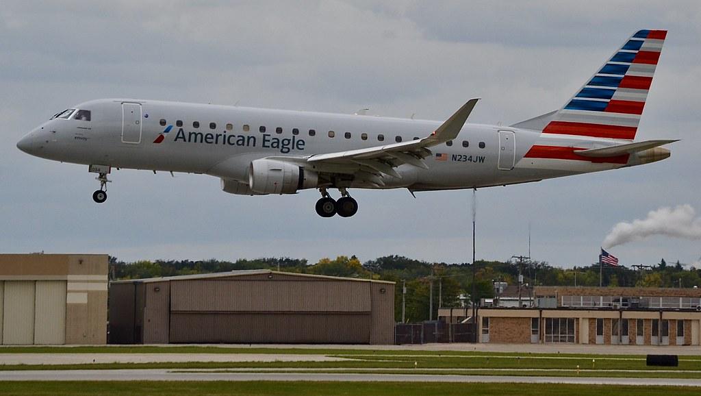 American Eagle Embraer ERJ-175 | An American Eagle Embraer E