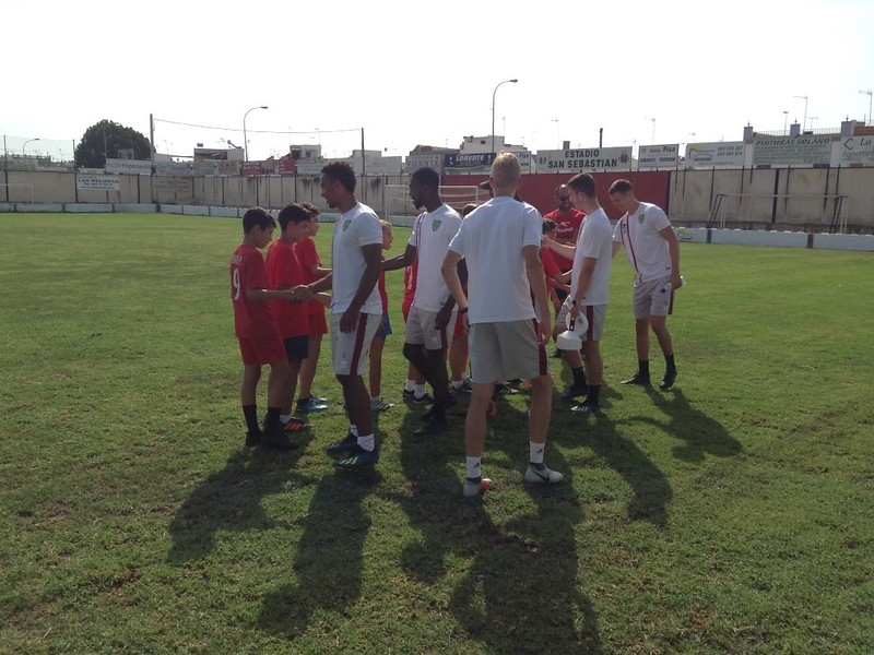 Norwich City community work with Puebla CF U12s (3)