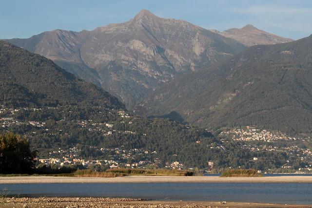 Mündung der Maggia in den Lago Maggiore ( auch Verbano - Deutsch Langensee - TI - 193 m - Fläche 212,5 km² - See lac lake ) bei Ascona im Sopraceneri im Kanton Tessin - Ticino der Schweiz