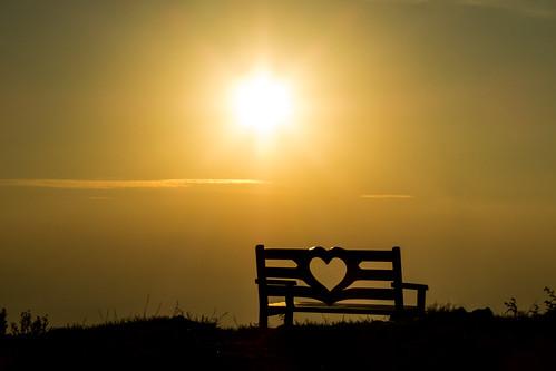 klopca ljubezni love bench hiking sunset slovenia donačka gora mount saint donatus
