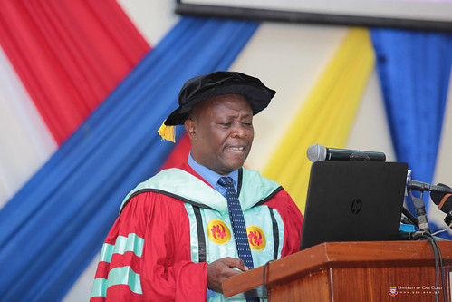Prof Oduro delivering the Lecture