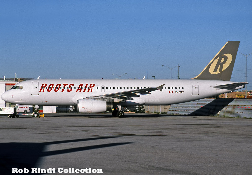 Roots Air A320-231 C-FRAR