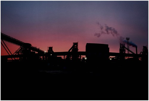 silhouette sunrise colour industry industrial sunlit sunlight weather weatherwatch sky clouds scunthorpe lincolnshire northlincolnshire northlincs nlincs nature naturephotography