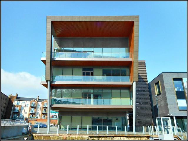 C4DI  Building ..